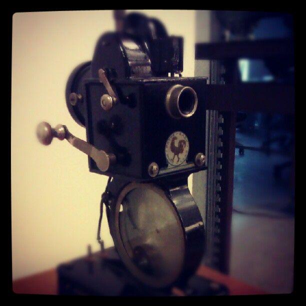 """Hand crank """"Focus #vintage #camera"""" Via @migue_bamba"""