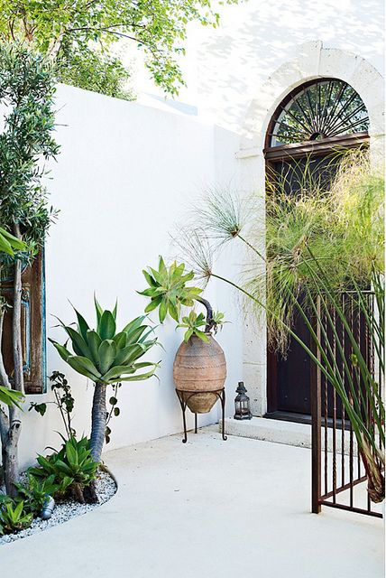 I could live in this desert.    an exotic home in melbourne, australia by the style files, via Flickr