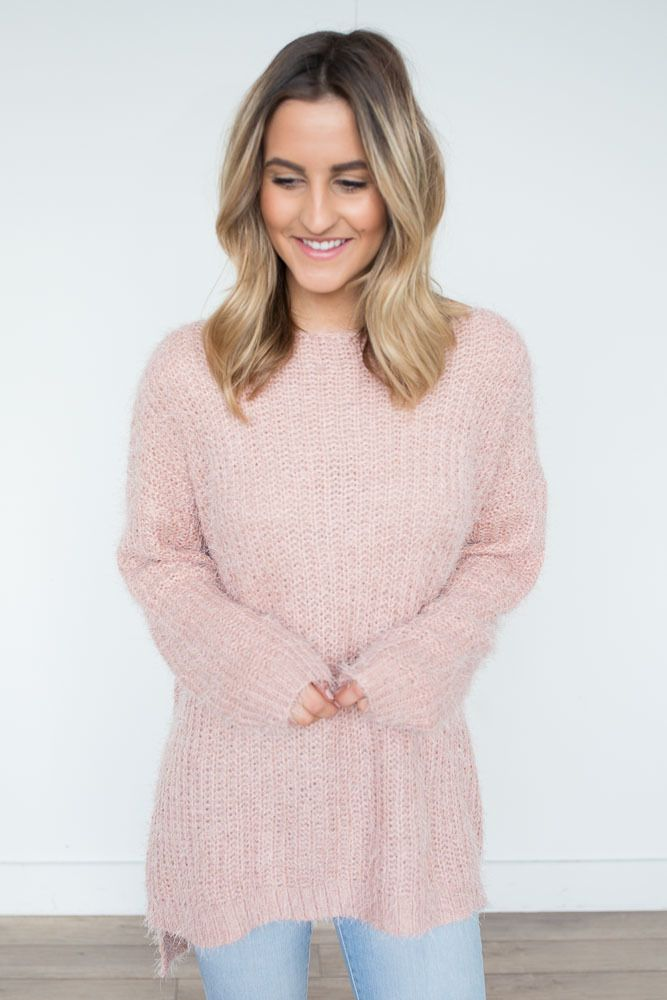Shop our Eyelash Tunic Sweater in Blush. Pair with skinny jeans and booties for a casual and cozy look. Always free shipping on all US orders.