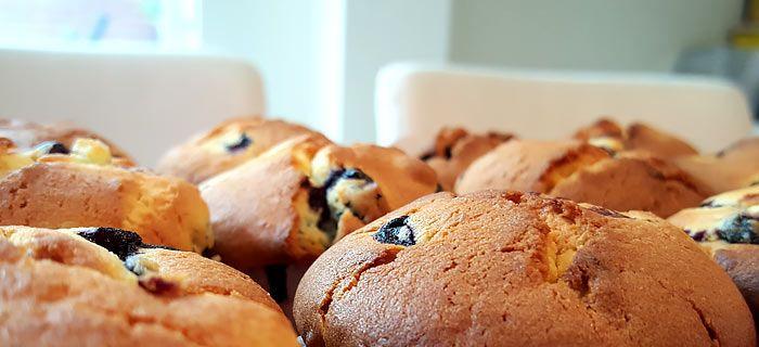 Deze overheerlijke citroen blueberry muffins heb je met dit makkelijke recept zo gebakken. En ze zijn echt heeeeeerlijk, geloof me maar :)