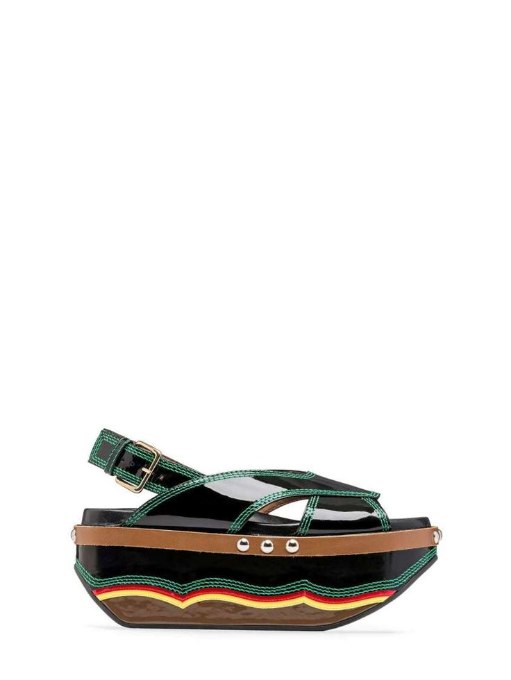 Collezione scarpe Marni Primavera Estate 2016 - Sandali platform neri in vernice con impunture smeraldo  #sandals #design #madeinitaly #avantgarde #platform #creative