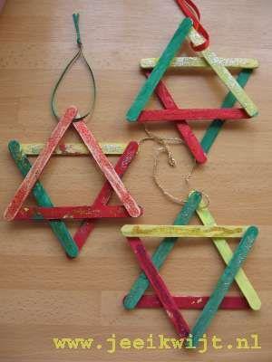 Popsicle stick Star of David ornaments. Hanukkah crafts for kids.