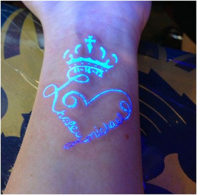 White Ink/UV Ink Tattoos Very cool. They're kinda like... secret tattoos. ;o)