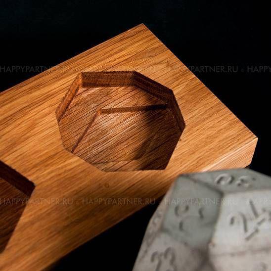 Concrete desk calendar with wood
