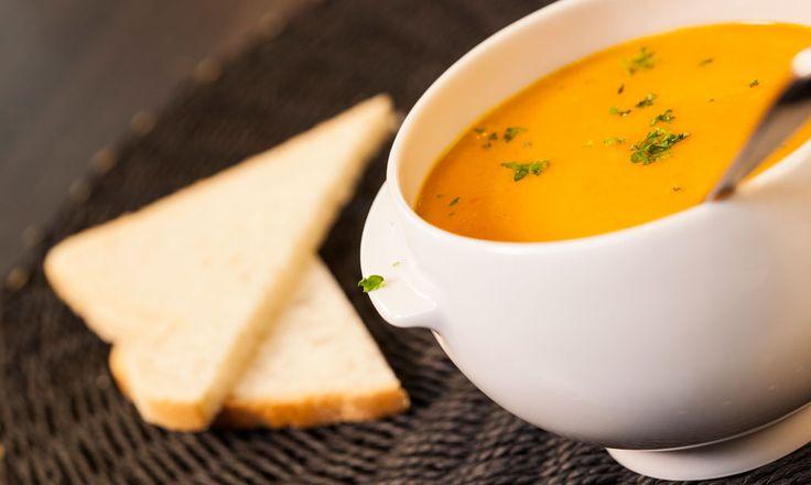 Alpro - Halloweenská polévka, co si koleduje o jedničku - Sladká, krémová polévka z dýně s Alpro Cuisine, alternativou klasické smetany na vaření