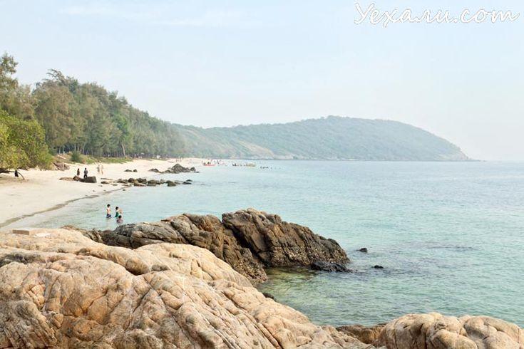 """Пляжи Паттайи на островах и в городе   Пляж Хат Нанг Рам В русском переводе этот пляж называется Пляжем Танцующей девушки. Пляж известен великолепным пейзажем вокруг, прозрачным и чистым морем и довольно развитой инфраструктурой - помимо обязательных удобств - """"покушать"""", """"выпить"""", """"сходить в душ и туалет"""", здесь можно взять напрокат самые разные атрибуты активного отдыха на воде: """"таблетки"""", """"бананы"""", водные скутеры, обычные автомобильные баллоны.  Есть возможность взять в аренду каяк (цена…"""