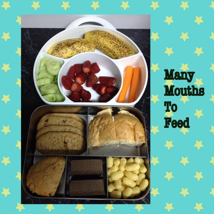 Assorted finger foods using the Boon Cargo carrier and the Lunchbots
