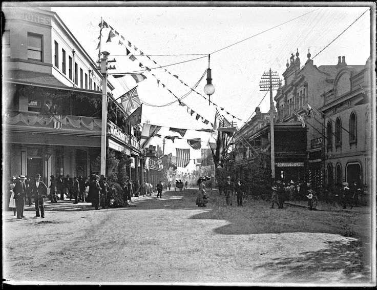 Duke and Duchess of Cornwall's visit, Hunter Street from Bolton Street, Newcastle, NSW, 25 May 1901