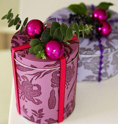 Enfeitando latas!: Christmas Gifts Wraps, Gift Wrapping, Giftwrap, Diy Gifts, Holidays Gifts, Wrapping Ideas, Wraps Gifts, Christmas Wraps, Wraps Ideas