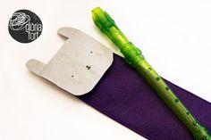 [cat] Aquesta flauta necessita una funda... uns retalls de feltre, un parell de fils, un trosset de velcro, una hora de paciència i llesta! [cast] Esta flauta necesita una funda... unos retales de ...