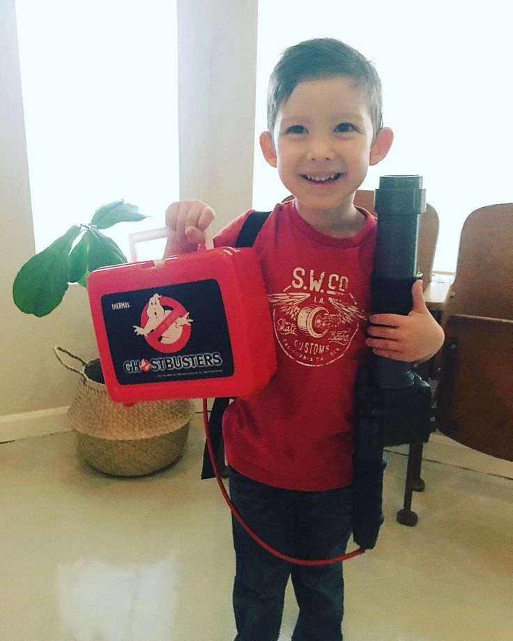 Shout out to @fartoys_vintage where I found this original Ghostbusters lunchbox for my little dude. Hes obsessed. May be time to do a Ghostbusters name for him too! . . . . #slimer #billmurray #ghostbuster #80s #protonpack #ghost #ghostbusting #petervenkman #whoyougonnacall #staypuft #ghostbuster1 #props #staypuftmarshmallowman #ecto #handcuthero #nerdart #geekart #papercutting #superheroart #ilovethe80s