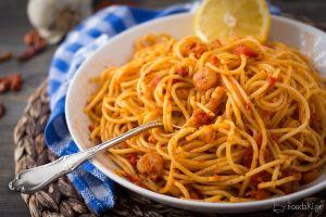 Πικάντικη γαριδομακαρονάδα | Foodaki On The Go