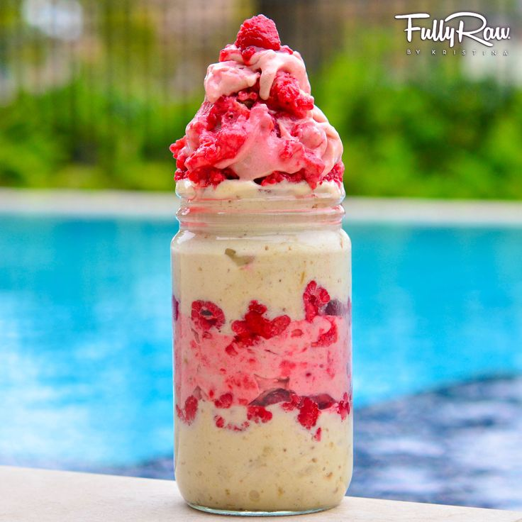 raspberry vanilla dream ice cream made with frozen bananas, strawberries and raspberries. Yum!!! #fatfree #delicious