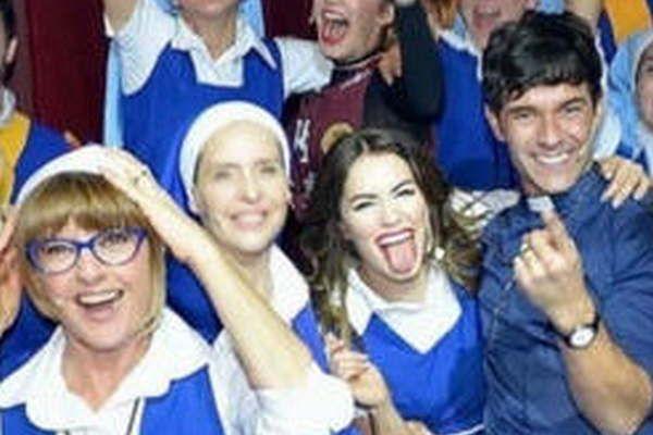 """Lali Esposito y Mariano Martinez, Carola Reyna, Gabriela Toscano, Angela Torres entre otros. """"Esperanza Mia: El Musical"""""""