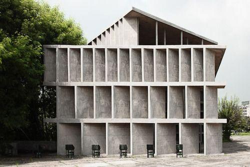 ilbar:  Le Corbusier,Tower of Shadows,Chandigarh