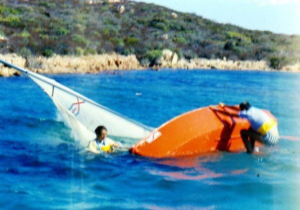 righting the Vaurien in Porto Palma in the middle '80