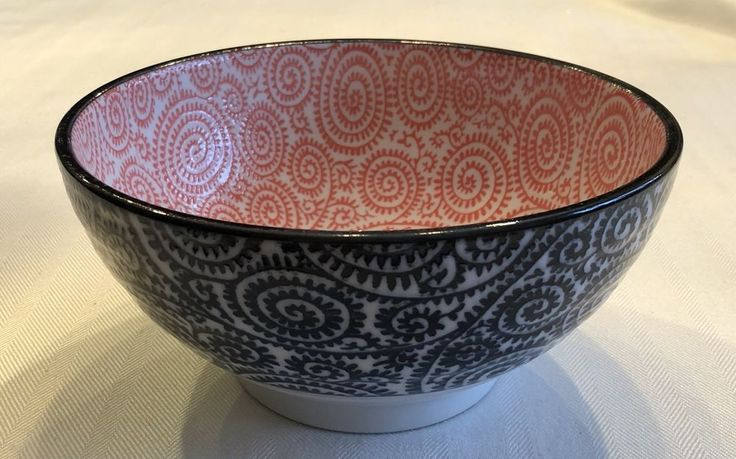 "Tokyo Design Studio Japan 7 1/4"" Noodle Bowl Black White Pink  #Japanese"