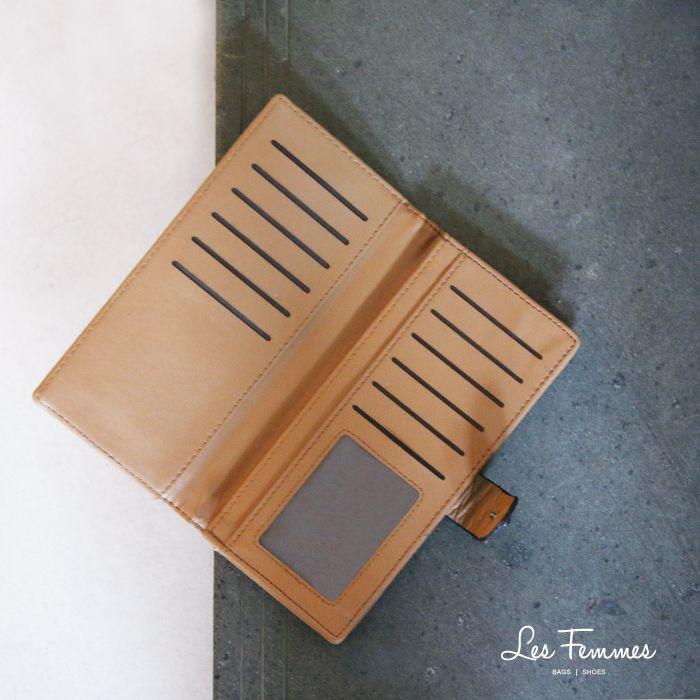Tanira, wallet yang simple dengan desain berlapis dan ornamen studs. Detail wallet : • Warna hitam, navy, hijau, khaki, abu, coffee • Card slot, 1 tempat foto, 2 kantong dalam • Ukuran 19*2*10 cm • Harga 129,000  Order via : Website : www.lesfemmes.co.id LINE : lesfemmesbags SMS / WA : 081284789737 Email : care@lesfemmes.co.id  Happy shopping!  #shopping #wallet #ladies #women #lesfemmesindonesia