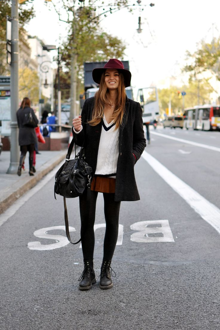 This girls show us Barcelona street style. More looks on the blog.