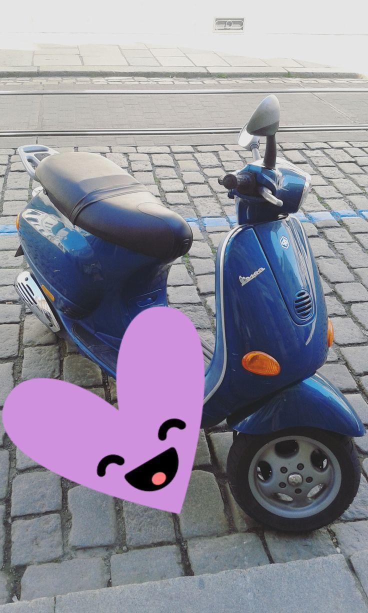 Vespa! I love these scooters, so Italian :) via Instagram stories of @quaintrelle.georgiana  https://www.instagram.com/quaintrelle.georgiana/ | Georgiana Quaint