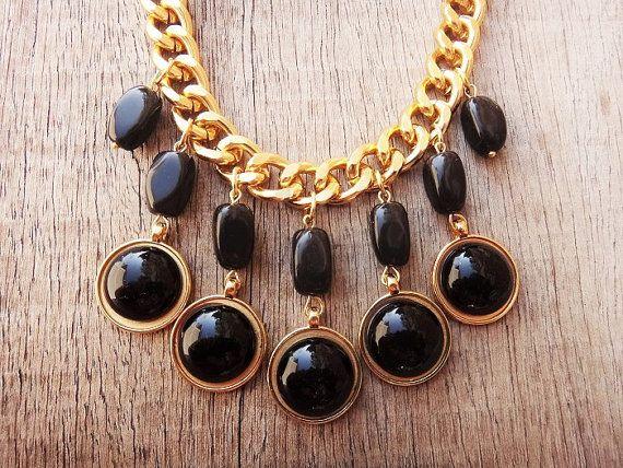 Black Onyx Gemstones Drop Acrylic Round Beads Gold by Twininas, €33.50