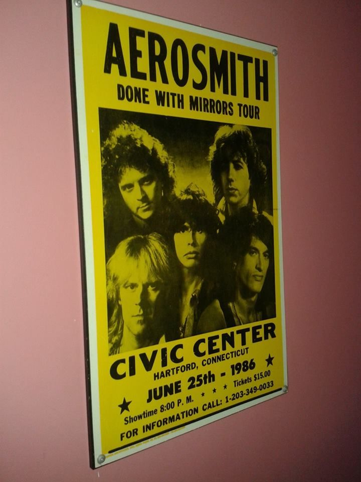 #Aerosmith sign - DONE WITH MIRRORS TOUR in #Civic #Center #Connecticut on June 25th, 1986 sign.