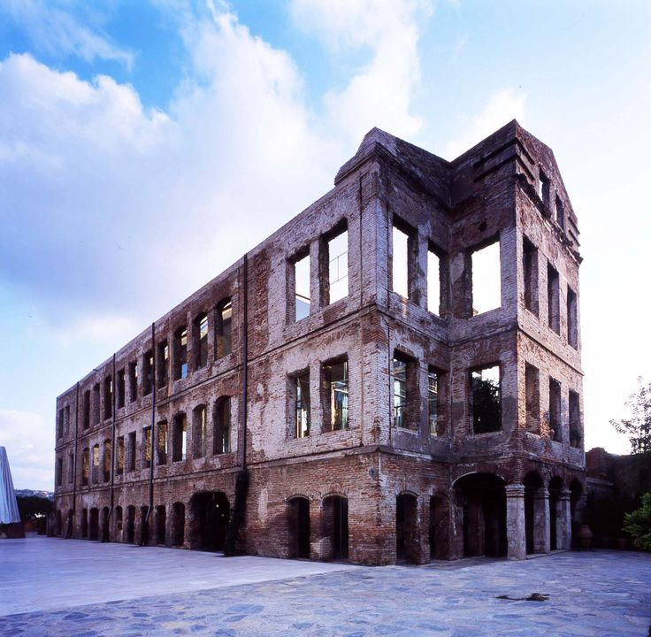 Esma Sultan is a multipurpose event space in the Ortakoy district of Istanbul. 10 meters from the coast of the Bosphorous strait, a narrow stretch of sea linking the Black Sea to the Marmara Sea.  It was designed and built in 1875 by Ottoman-Armenian Architect Sarkis Balyan.  #facadism #oldandnew #glass #steelandgalsss #gokhanavcıoglu #gadarchitecture #gad #restoration #ottoman #events #esmasultan #contemporary #curtainwall #wedding #seismic #brick #ortakoy #istanbul #mimarlık