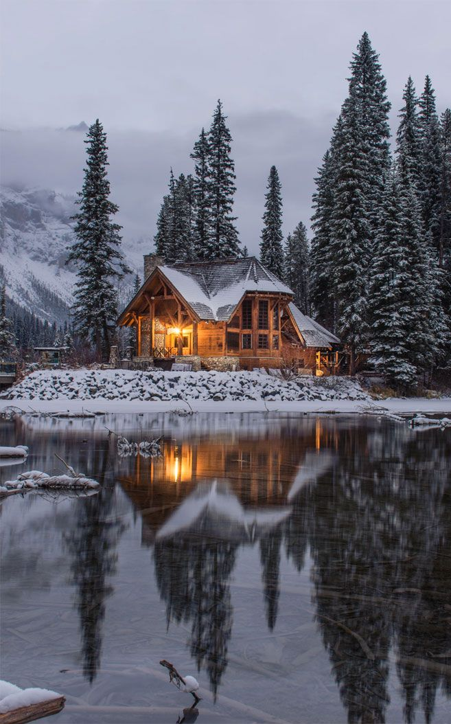 Beautiful Winter Snow Pinecones Iphone Wallpaper Winter Snow Color Winter Cabin Cabin House