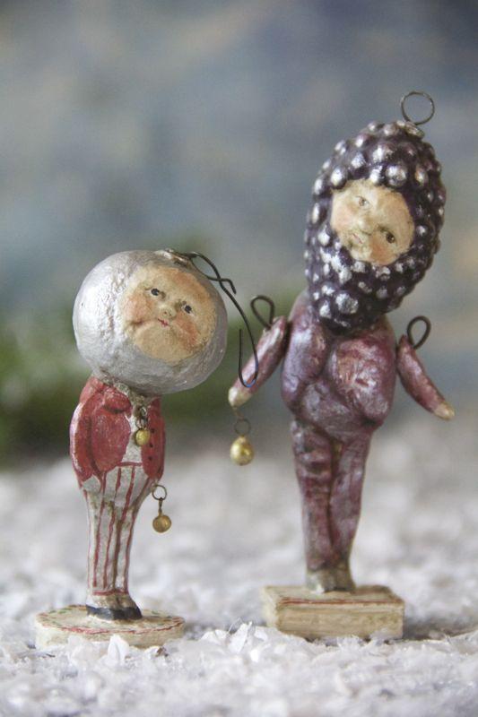 Debbee Thibault Grape Ornament Gent