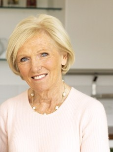 Mary Berry - Mary Berry's Christmas Collection - Headline