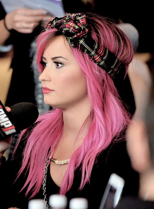 Why the hell does she look so good with pink hair,I don't even look good with brown hair
