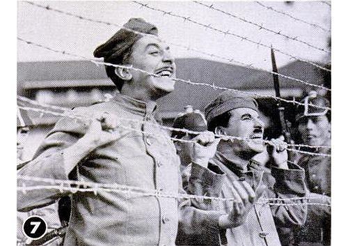 Reginald Gardiner And Charlie Chaplin In The Great Dictator 1940