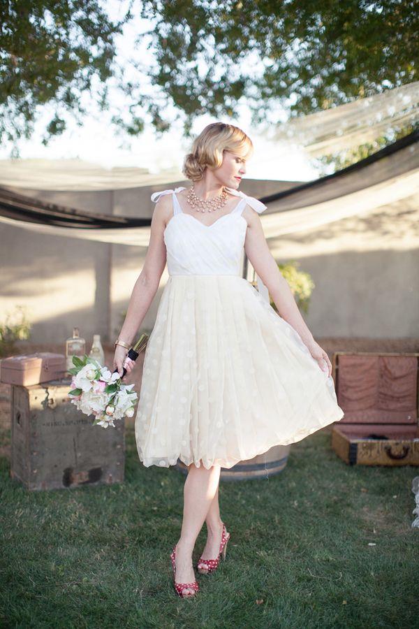 ballerina-esque bride // photo by DianeElizabethblog.com: Dresses Wedding, Bride Photos, Bridal Dresses, Wedding Dresses, Receptions Dresses, Bows Sleeve, Bridal Gowns, Bridal Dressbrid, Sun Dresses