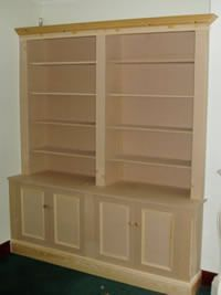 Skirting base double alcove cabinet with panel mould doors
