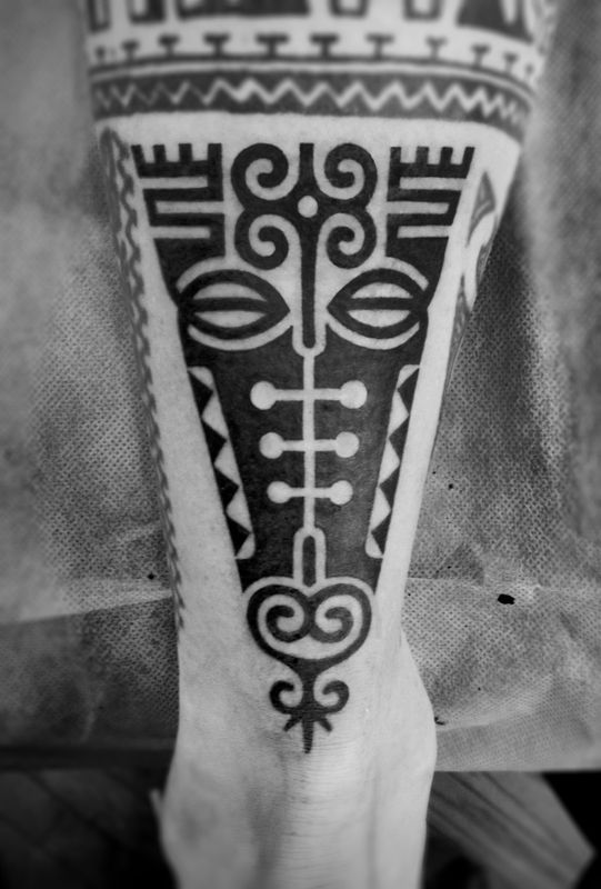 2Spirit Tattoo | Blackwork & Dotwork Tattoos