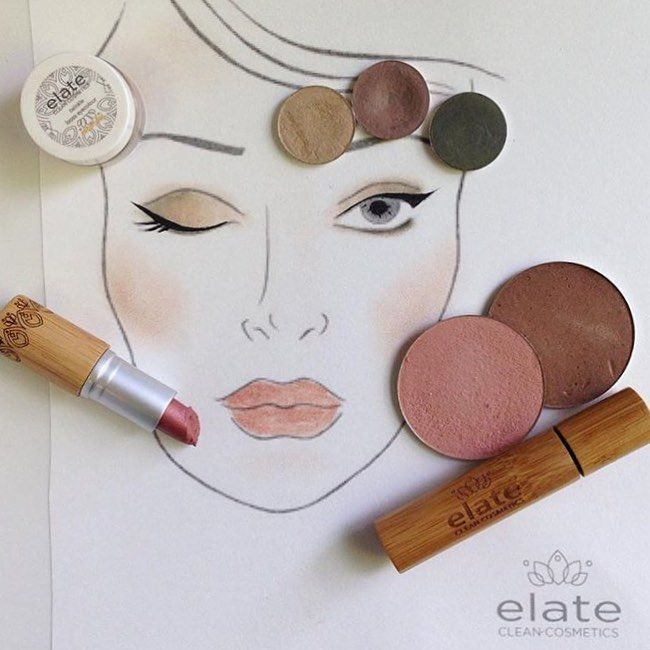 18 NATURAL & ORGANIC MAKEUP BRANDS YOUR FACE WILL LOVE YOU FOR | In the pursuit of living more simply, naturally, and conscious of our environment we've put together a guide to our favorite organic beauty brands. These 18 organic makeup brands use pure, earth friendly ingredients and never test their cosmetics on animals - click through to see the full list!