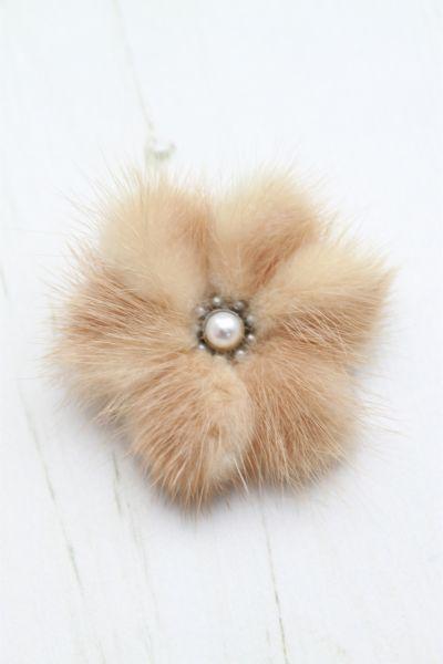 fur broochs | 1940s B & E Stratton Light Brown Cream Mink Fur Brooch