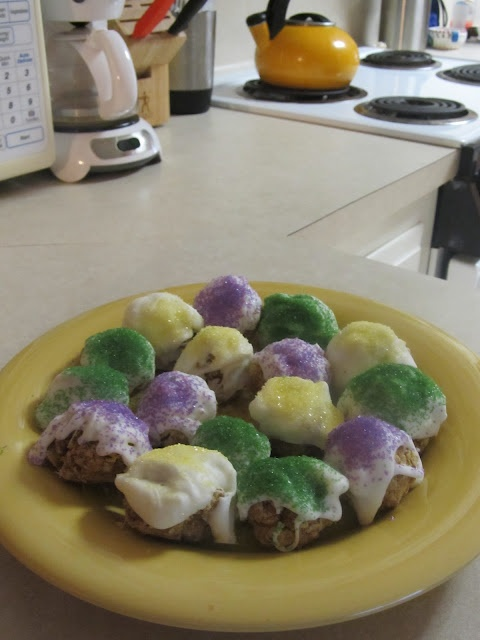 King Cake balls. OMG.  Superbowl Sunday always falls within the Mardi Gras season.  This would be a great item to have.  I might try next time.