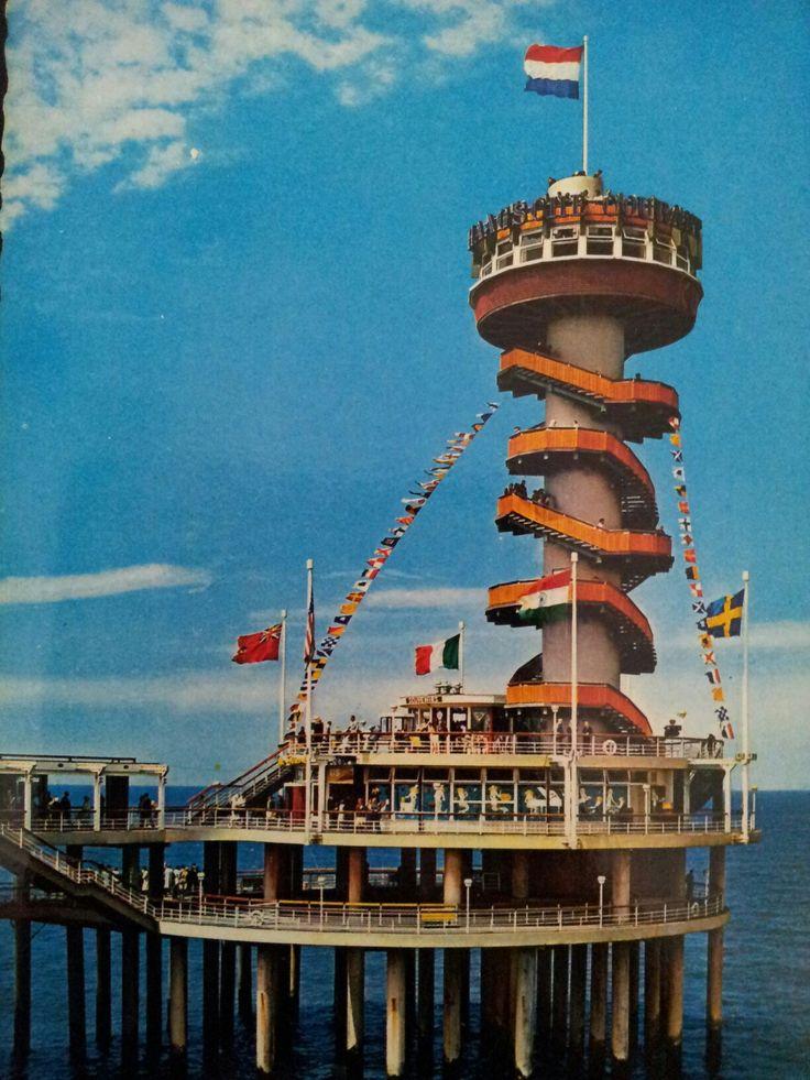 Scheveningen de pier jaren 60.