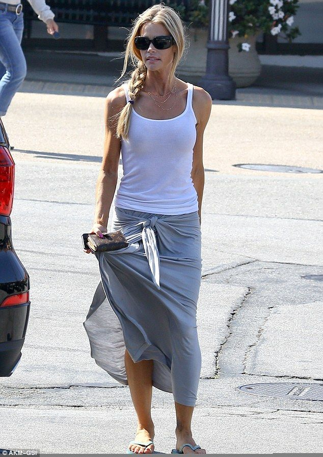 denise richards + skirt