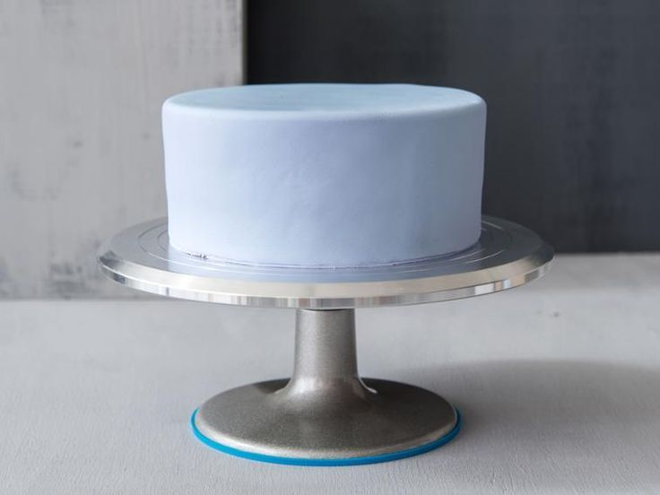 Rolls Royce Cake Concept Cars In 2020 Cake Decorating Turntable Cake Decorating For Beginners Homemade Wedding Cake