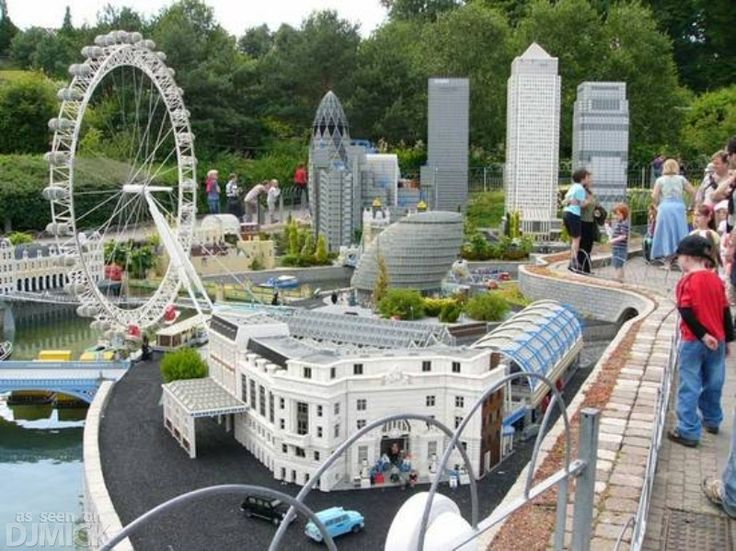 Cool LEGO Creations Gallery!  This would be a great place to see!