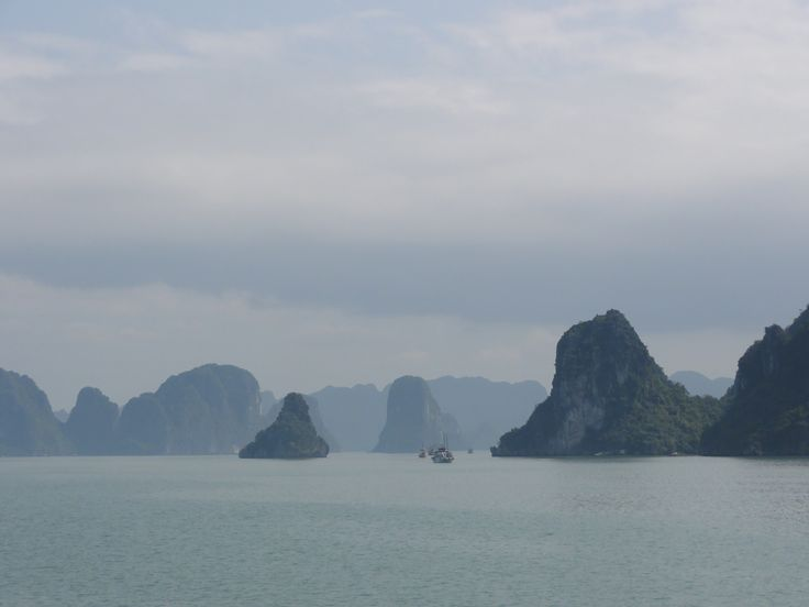 Sail around in Ha Long bay, Vietnam (picture: Christoffer Volf)