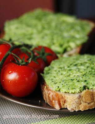 QuchniaWege: Pasta brokułowa na poranne kanapki