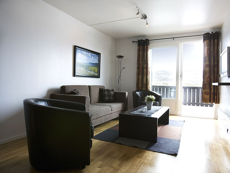 Holiday flat in Geilo. Geilolia holiday flats are located approx. 800 metres above sea level in the village centre of Geilo and here you find 25 vacation rentals available for hire.
