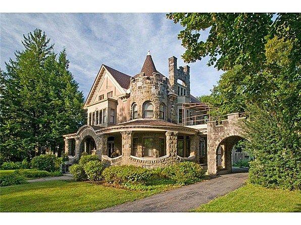 13 Dramatic Gothic Victorian Homes Part 2 Unique Intuitions Victorian Homes Victorian Style Homes Victorian Gothic
