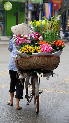 Flower vendor, Hanoi, Vietnam
