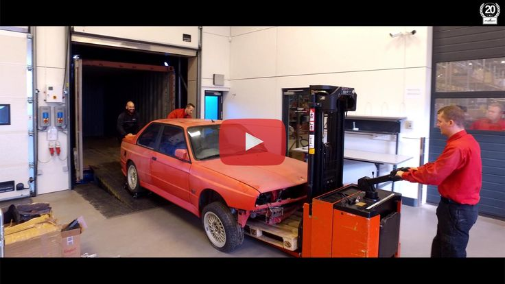 The BMW M3 E30 EVO2 from Cyprus has finally arrived to Schmiedmann Odense, where we will be taking good care of it and restoring it back to its prime!  This gem of a BMW - with an astonishing total of only 45.000 km on the road and 1 owner from new (besides that it was a BMW press car) - is a true rarity with only 501 units ever build!  #schmiedmann #bmwspecialist #bmw #e30 #m3 #evo2 #m3evo2 #awesome #car #odense #cyprus #e30m3 #bmwe30 #bmwm3 #bmwe30m3 #restoration