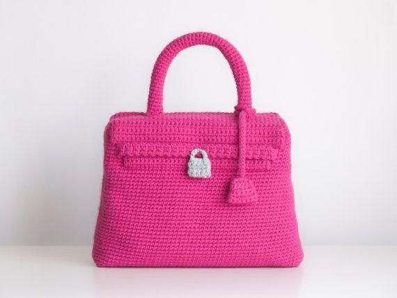 Etsy の Crochet Kelly bag fuchsia pink handmade by SILAYAYA