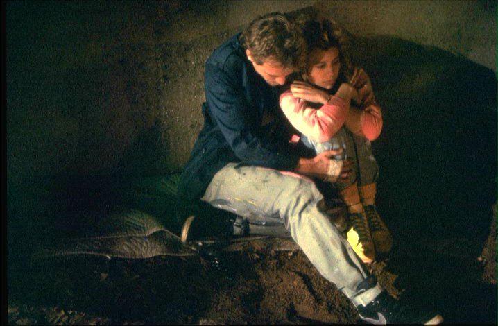 Michael Biehn as Kyle Reese with Linda Hamilton as Sarah Connor in The #Terminator (1984).